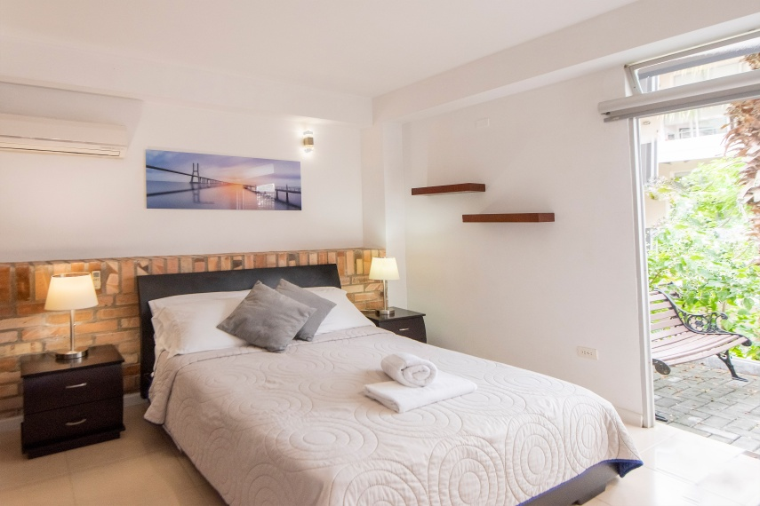 Furnished appartment with all you need in Cali - Colombia. Safe Zone - Apartment 108
